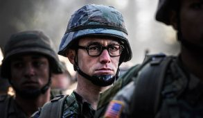"""Joseph Gordon-Levitt as Edward Snowden in a scene from the movie """"Snowden"""" directed by Oliver Stone. (Open Road Films/TNS)"""