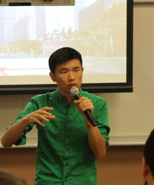 Tufts China Club hosts LGBT speaker Fan Popo in Cabot Hall in September 20th. (Kevin Ho / The Tufts Daily)