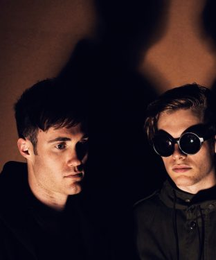 Tom Howie and Jimmy Vallance,  who comprise Bob Moses, pictured in March 2015. (Tim Saccenti via Wikimedia Commons)