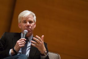 """TV journalist and Tisch College Professor of the Practice David Gregory speaks while moderating  the """"A Year Like No Other: Politics & the Press in 2016"""" panel discussion in Distler Hall on Oct. 17. (Max Lalanne / The Tufts Daily)"""