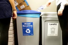 23/01/2017 - Medford, MA - Students use the new mixed recycling bins to dispose of their recyclable materials in Wren Hall on Jan. 23. (Rachael Meyer / The Tufts Daily)